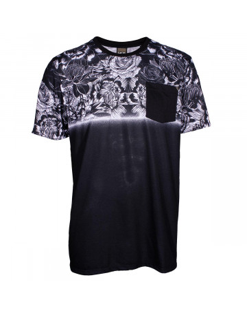 Camiseta MCD Dark Flowers - Preta  c82b2a9b7a5
