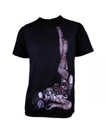 Camiseta MCD Transfer Body Tattoo Pin Up Preta  c6995f47702