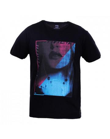 Camiseta Quiksilver Kiss Me - Preta